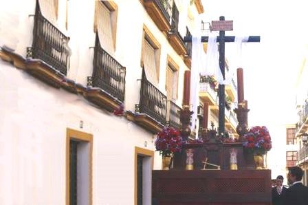 Cruz de Mayo: Procesión y Convivencia
