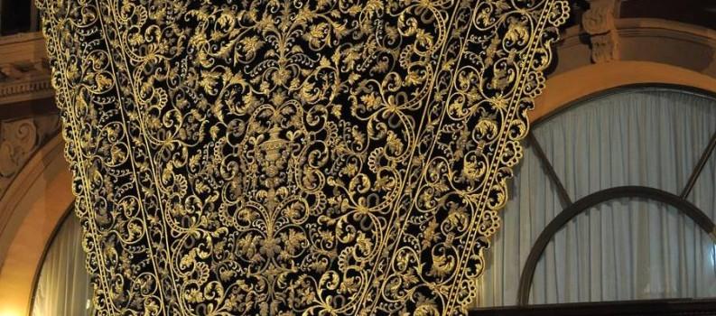 Exposición del manto de la Stma. Virgen